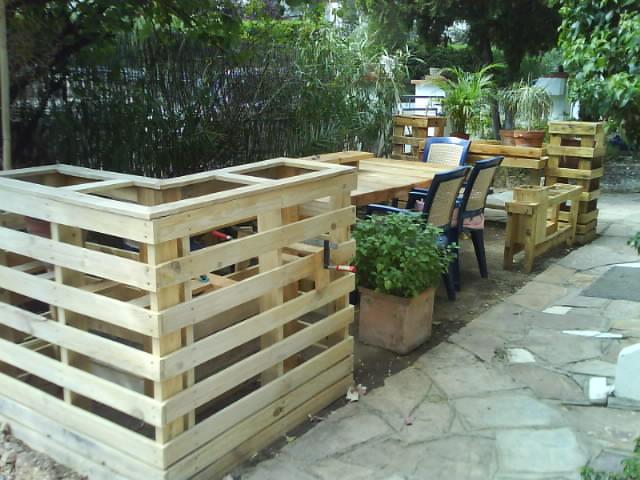 Evolution d un espace en bois de palette r cup r une lasure ext rieur sera n - Bricolage palette bois ...
